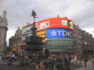 20090304105531-picadilly.jpg