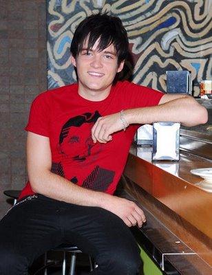 20090418125719-adam-jezierski-gorka-galeria-portrait.jpg