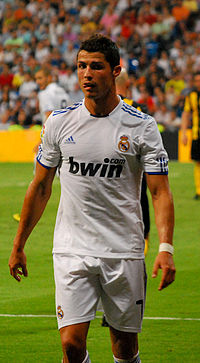 20101124165732-200px-cristiano-ronaldo-in-real-madrid-2.jpg