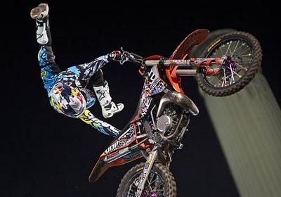 20130109155219-redbull-motocross-ya.jpg
