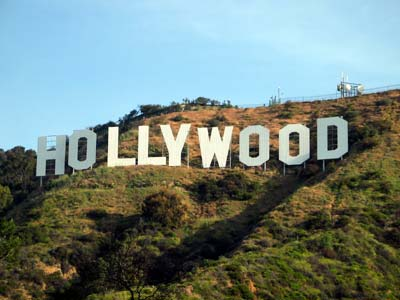 20140203164347-hollywood-sign-closeup.jpg