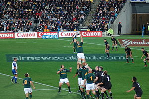 20170220200212-300px-new-zealand-vs-south-africa-2006-tri-nations-line-out.jpg