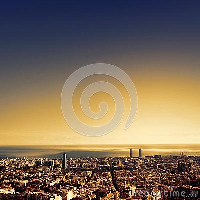 20170207162538-barcelona-una-opinin-del-pjaro-sobre-ciudad-catalua-espaa-64965152.jpg